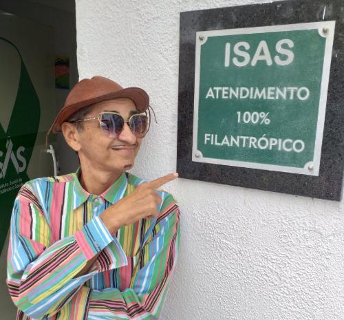 Humorista Zé Carrapicho volta aos palcos após realizar transplante de rim