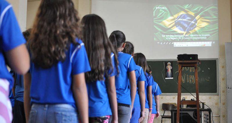 Lei torna obrigatório cantar Hino Nacional nas escolas de João Pessoa