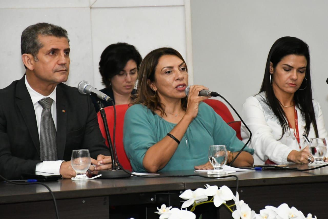 Cida Ramos participa de discussão na OAB contra PEC 108