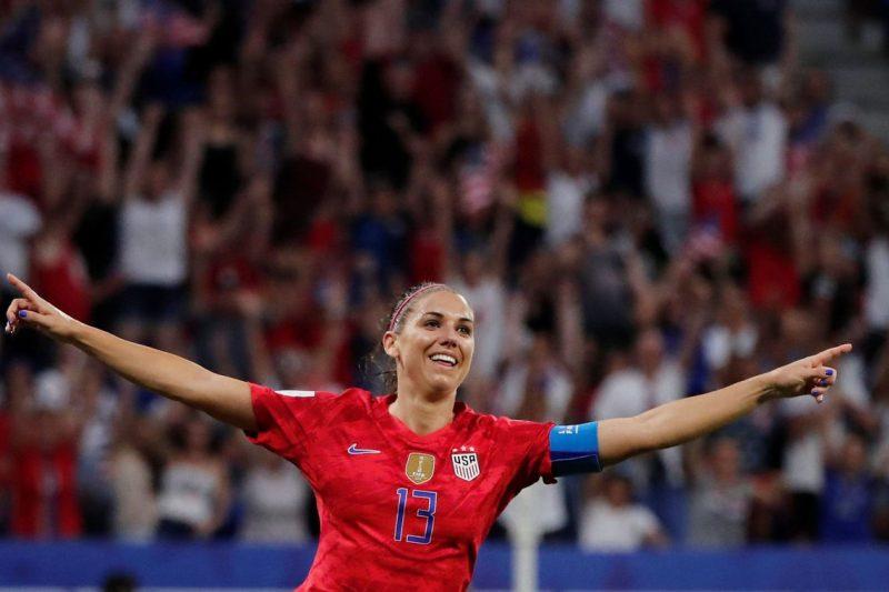 EUA vencem Inglaterra e seguem para final da Copa feminina