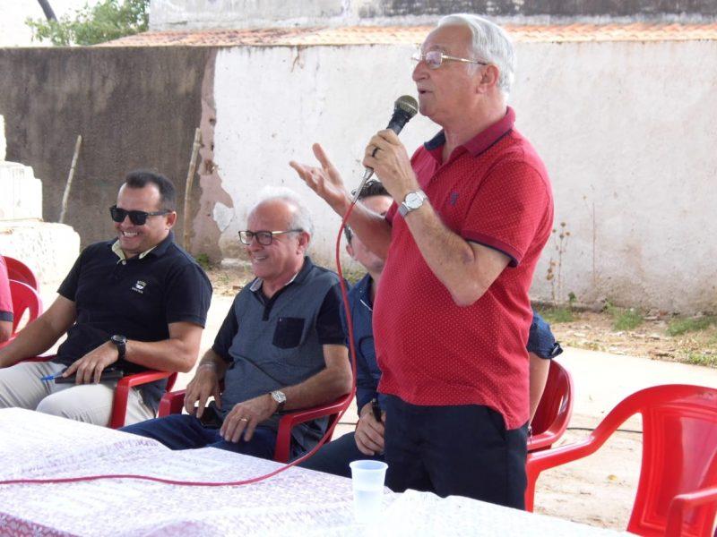 Frei Anastácio recebe reivindicações de população sertaneja