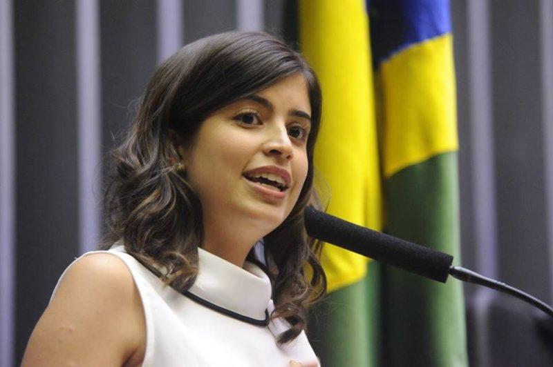 PDT suspende Tabata Amaral e mais sete por voto a favor da Previdência