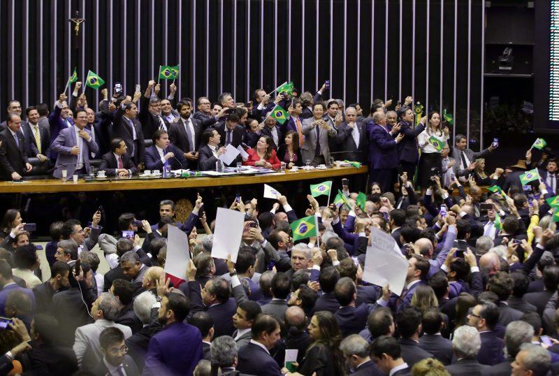 Reforma da Previdência é aprovada; confira os votos dos paraibanos