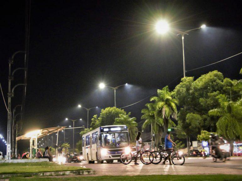 Luciano Cartaxo autoriza implantação de LED em 234 ruas do Centro Histórico