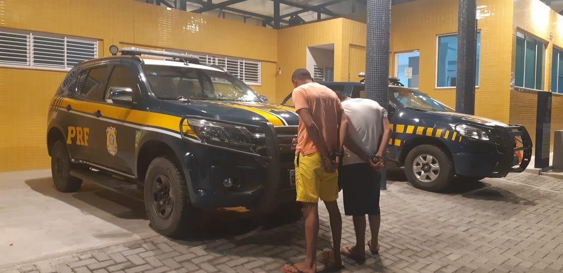 PRF prende homens que assaltaram hipermercado em João Pessoa e recupera dinheiro