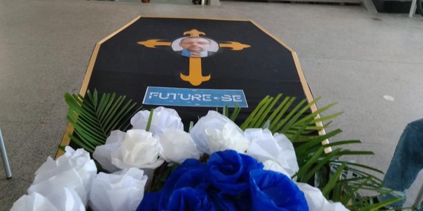 """Protesto: começa na UFPB """"velório"""" do Future-se e da reforma da Previdência"""
