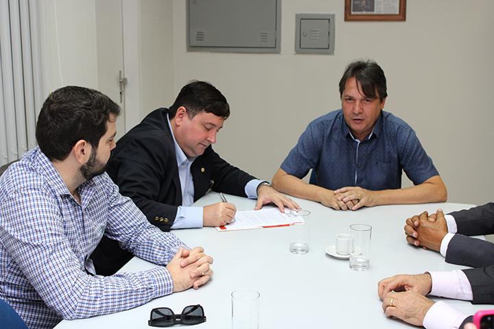 Creci-PB e Sedurb firmam parceria para coibir poluição visual em João Pessoa