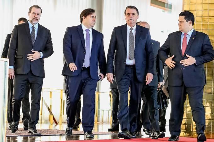 Toffoli se reuniu com autoridades contra movimento para afastar Bolsonaro