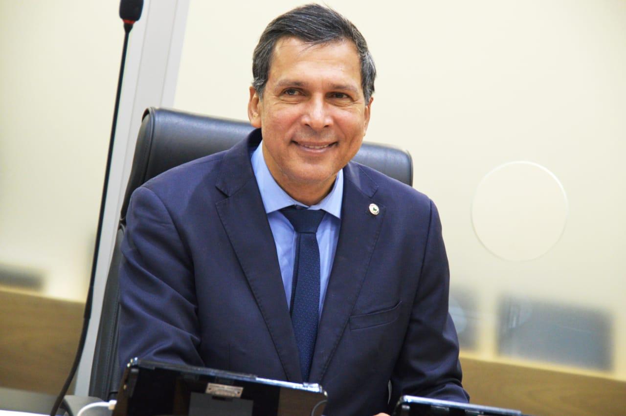 Líder segue governador, mas prega diálogo entre líderes em crise do PSB
