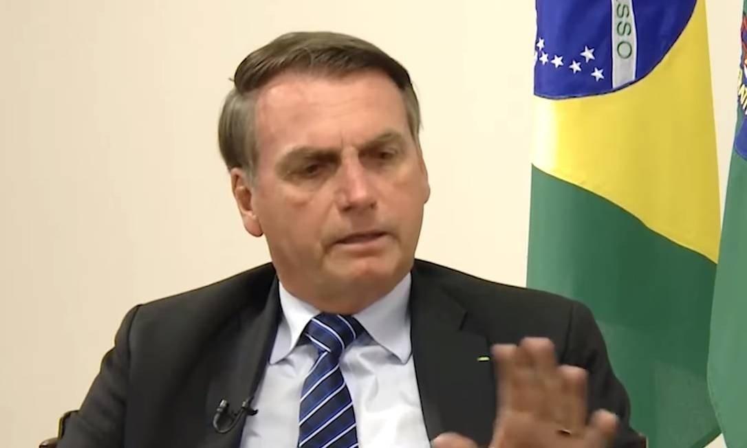 """Bolsonaro promete enviar projeto para que criminosos morram """"na rua igual barata, pô"""""""