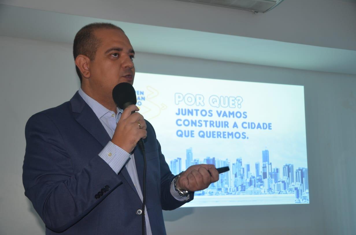 Bruno Farias lança site e admite estar preparado para disputar prefeitura