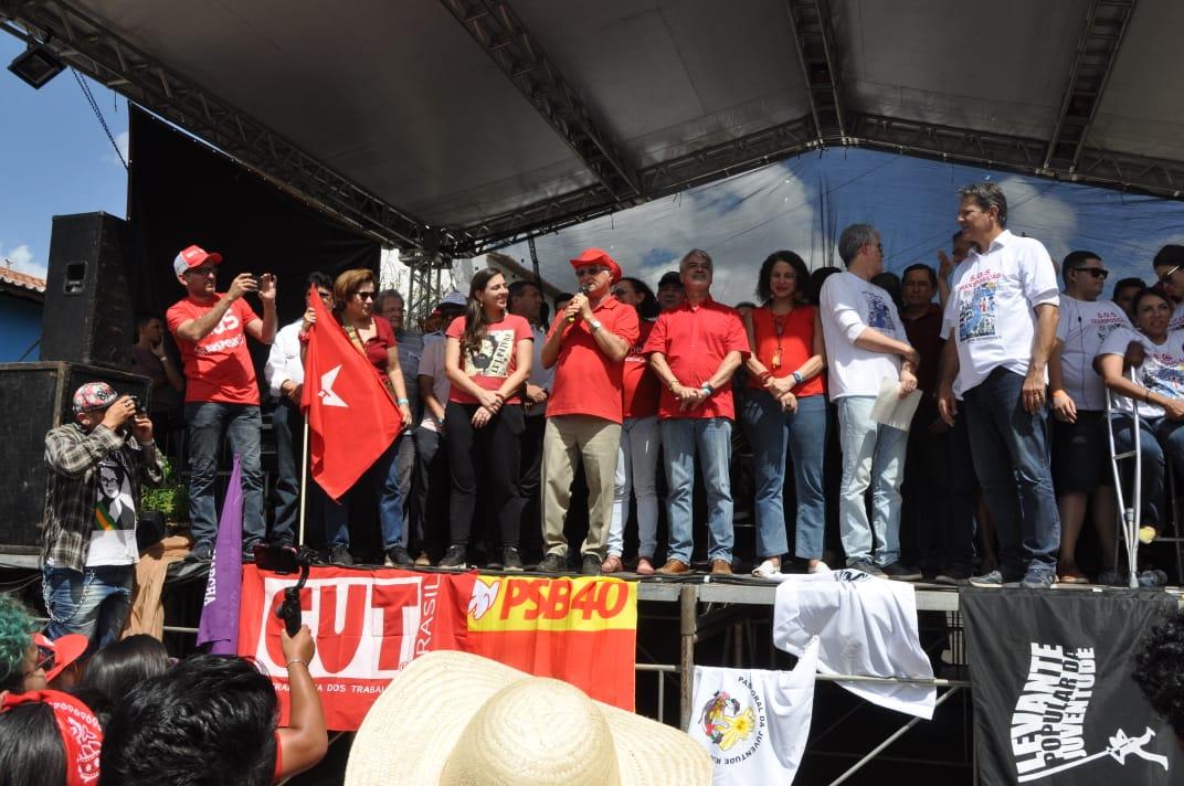 Frei Anastácio diz que Bolsonaro comete crime ao abandonar Transposição