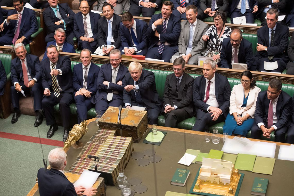 Governo britânico suspende parlamento