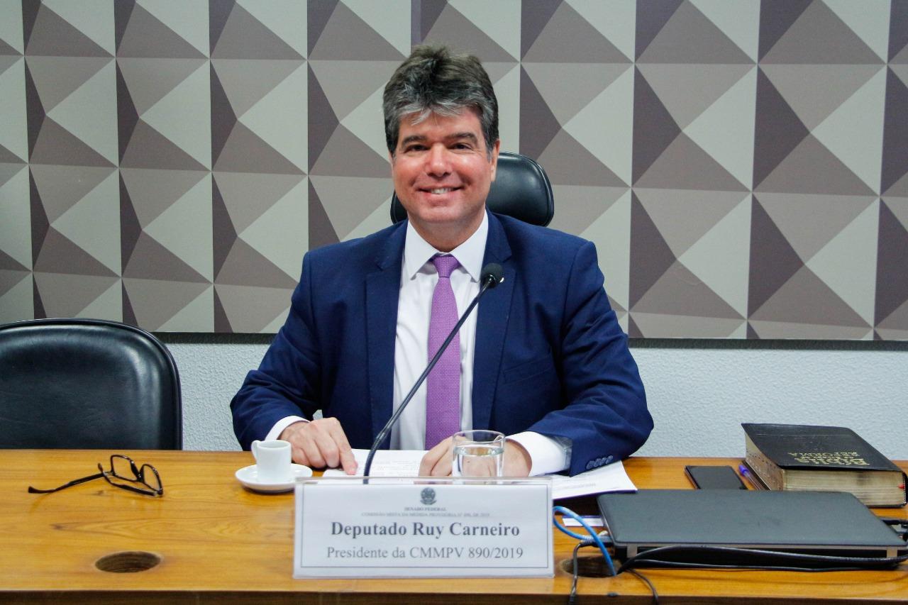 Deputados e ex-ministro elogiam trabalho de Ruy Carneiro na comissão do Médicos pelo Brasil