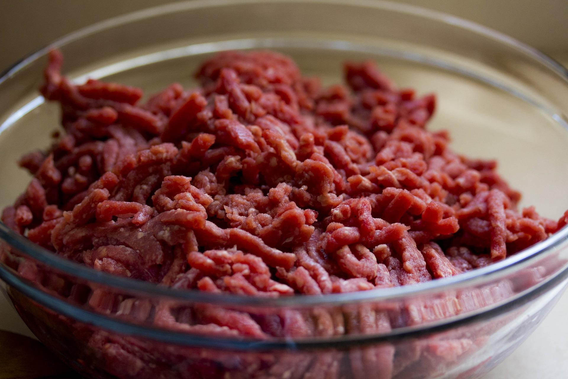 Procon-JP fiscaliza supermercados sobre lei que proíbe venda de carne previamente moída