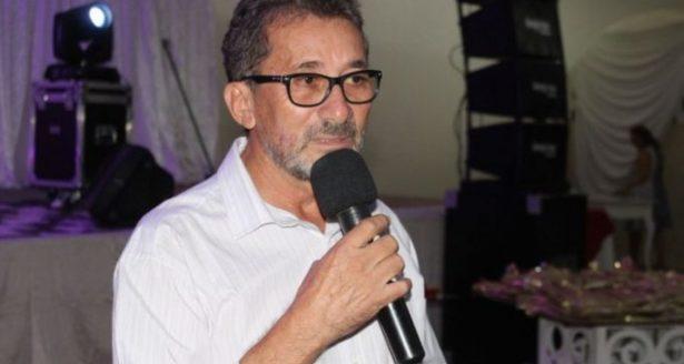 Prefeito paraibano sob suspeita de Alzheimer renuncia ao cargo