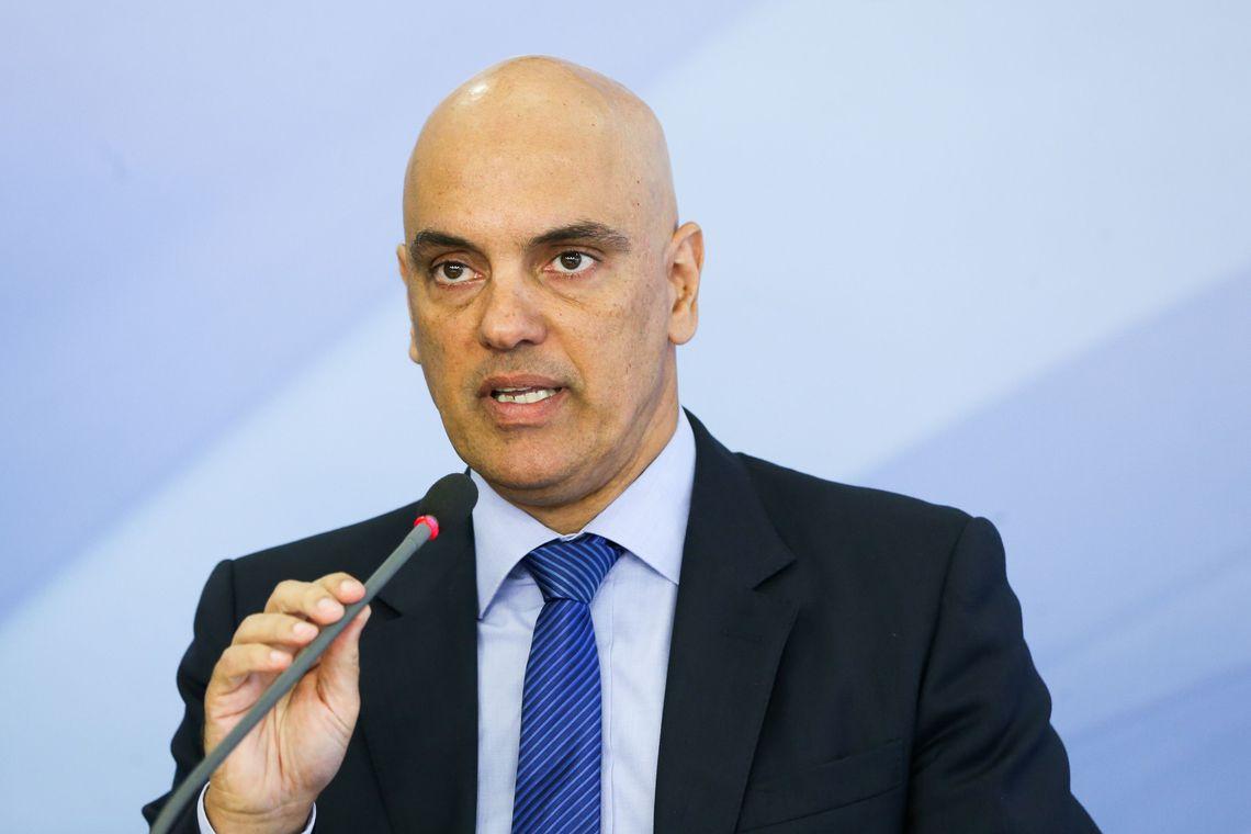 Alexandre de Moraes defende inquérito sobre fake news