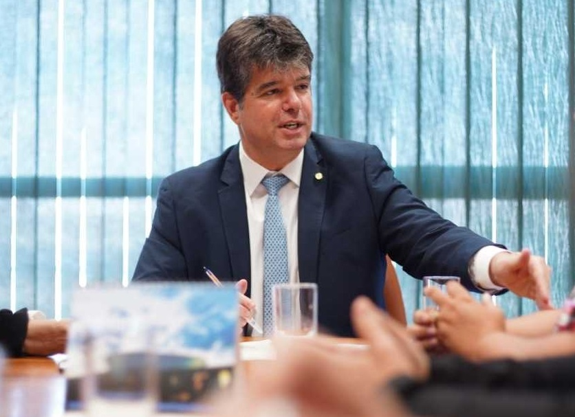Ruy destina R$ 26,8 milhões em emendas para a Saúde na Paraíba