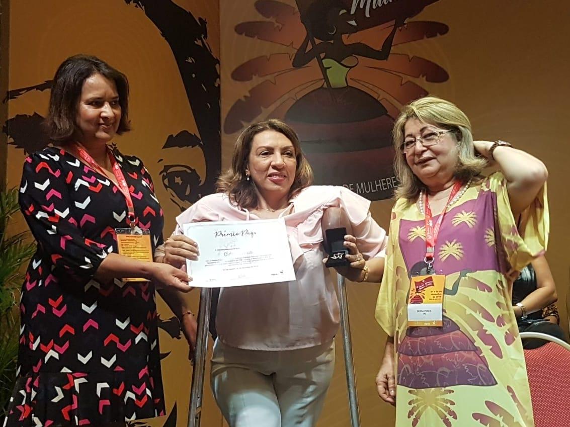Cida Ramos ganha prêmio em reconhecimento ao trabalho no âmbito das políticas públicas